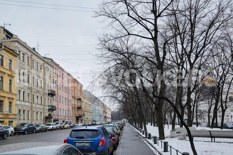 Элитные квартиры в Центральном районе. Санкт-Петербург, Конногвардейский бульвар, 13. Фасад дома по Конногвардейскому бульвару в сторону исаакиевского собора