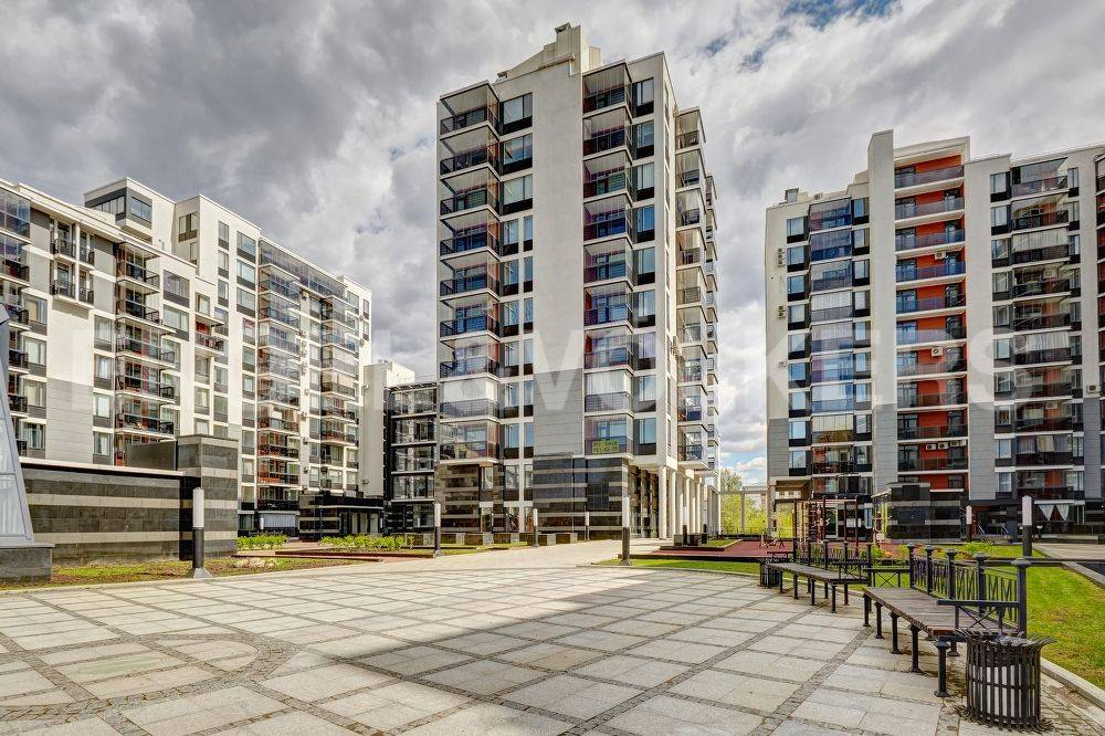 Элитные квартиры в Петроградский р-н. Санкт-Петербург, Барочная, 12. Закрытый двор дома