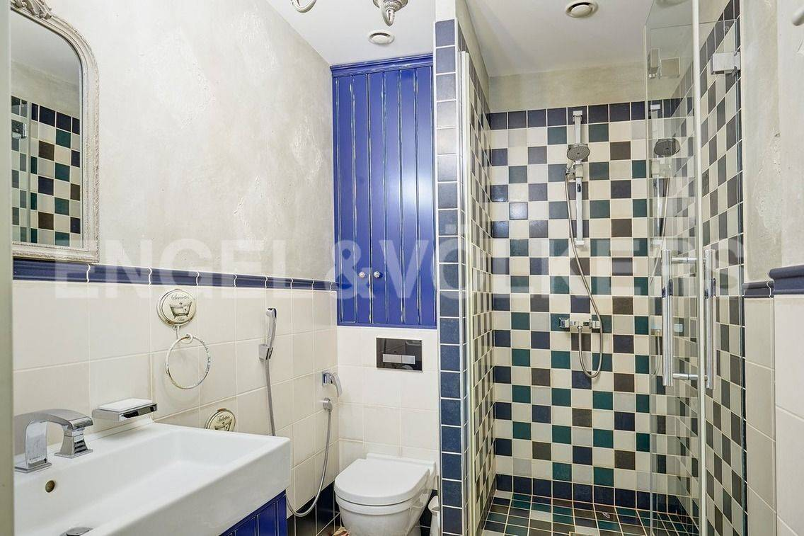 Элитные квартиры в Петроградском районе. Санкт-Петербург, Барочная, 12. Ванная комната на 1 уровне.