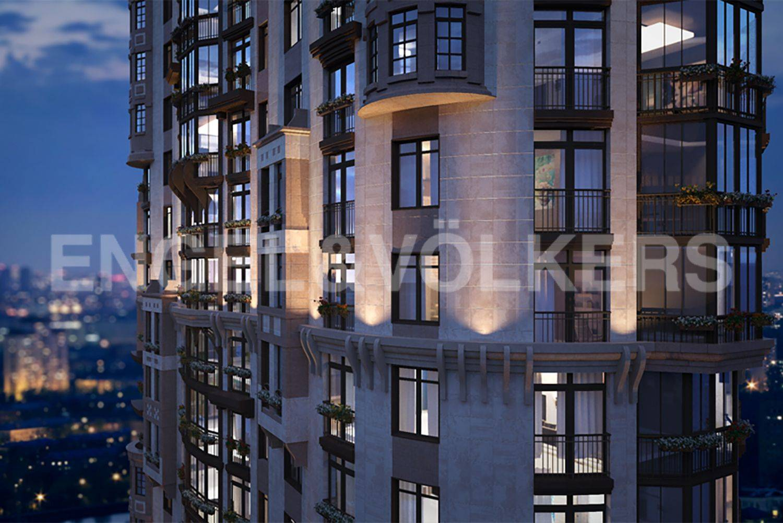 Элитные квартиры в Московском районе. Санкт-Петербург, Московское шоссе, 16. Фасад с вечерней подсветкой