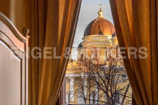 Преображенская пл. — квартира с прямым видом на Спасо-Преображенский собор