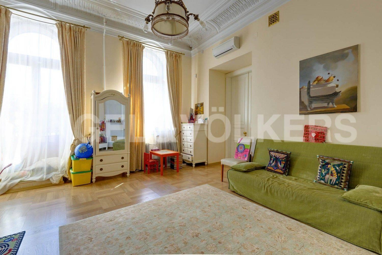 Элитные квартиры в Центральном районе. Санкт-Петербург, Преображенская площадь. Детская комната (либо спальня)