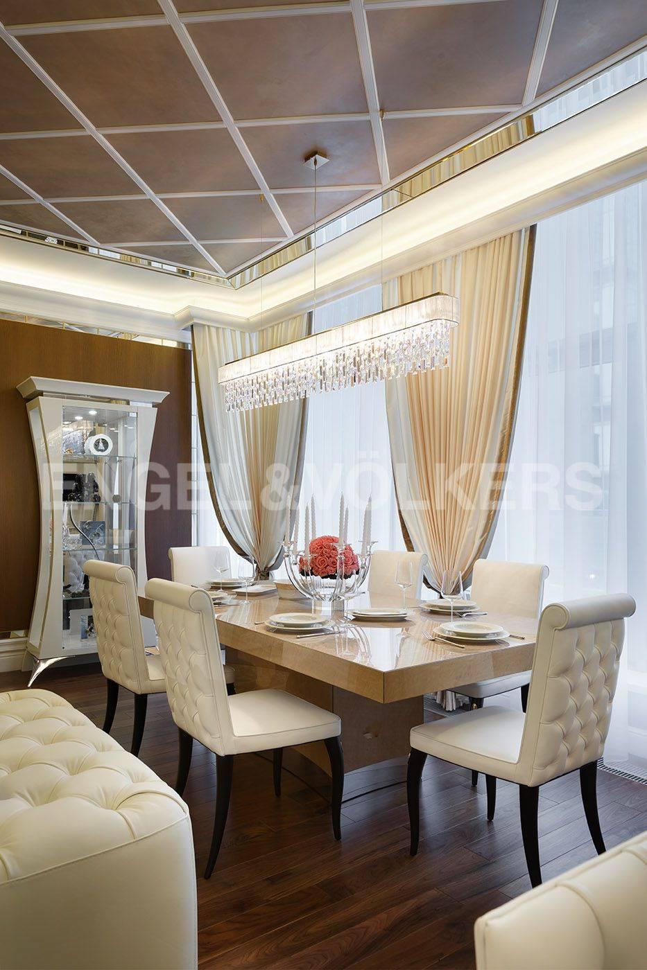 Элитные квартиры на . Санкт-Петербург, Константиновский, 23. Столовая зона