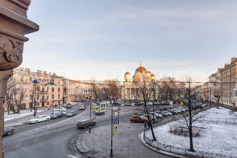 Элитные квартиры в Центральном районе. Санкт-Петербург, Преображенская площадь. Вид с балкона на Преображенскую площадь