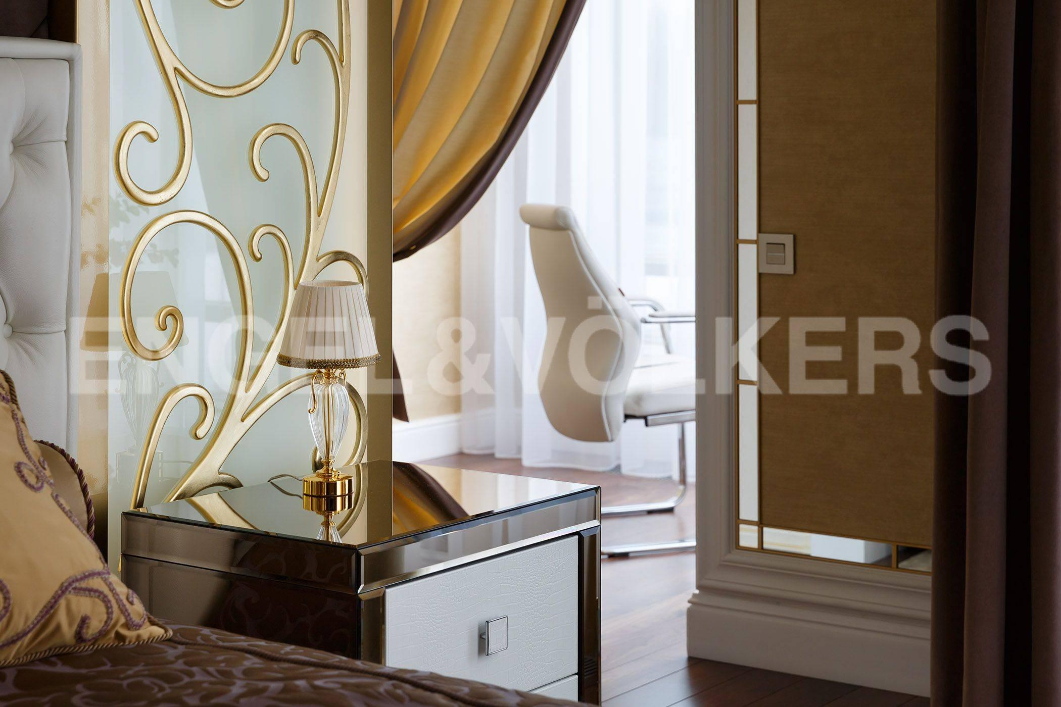 Элитные квартиры на . Санкт-Петербург, Константиновский, 23. Выход к зоне кабинета при спальне