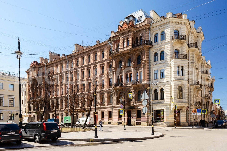 Элитные квартиры в Центральном районе. Санкт-Петербург, Преображенская площадь. Фасад дома со стороны Преображенской площади