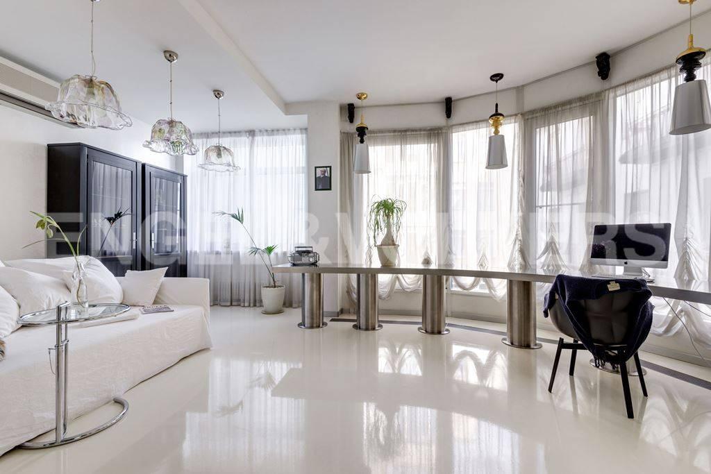 Элитные квартиры в Центральный р-н. Санкт-Петербург, Большая Морская, 4. Кабинет (либо третья спальня)