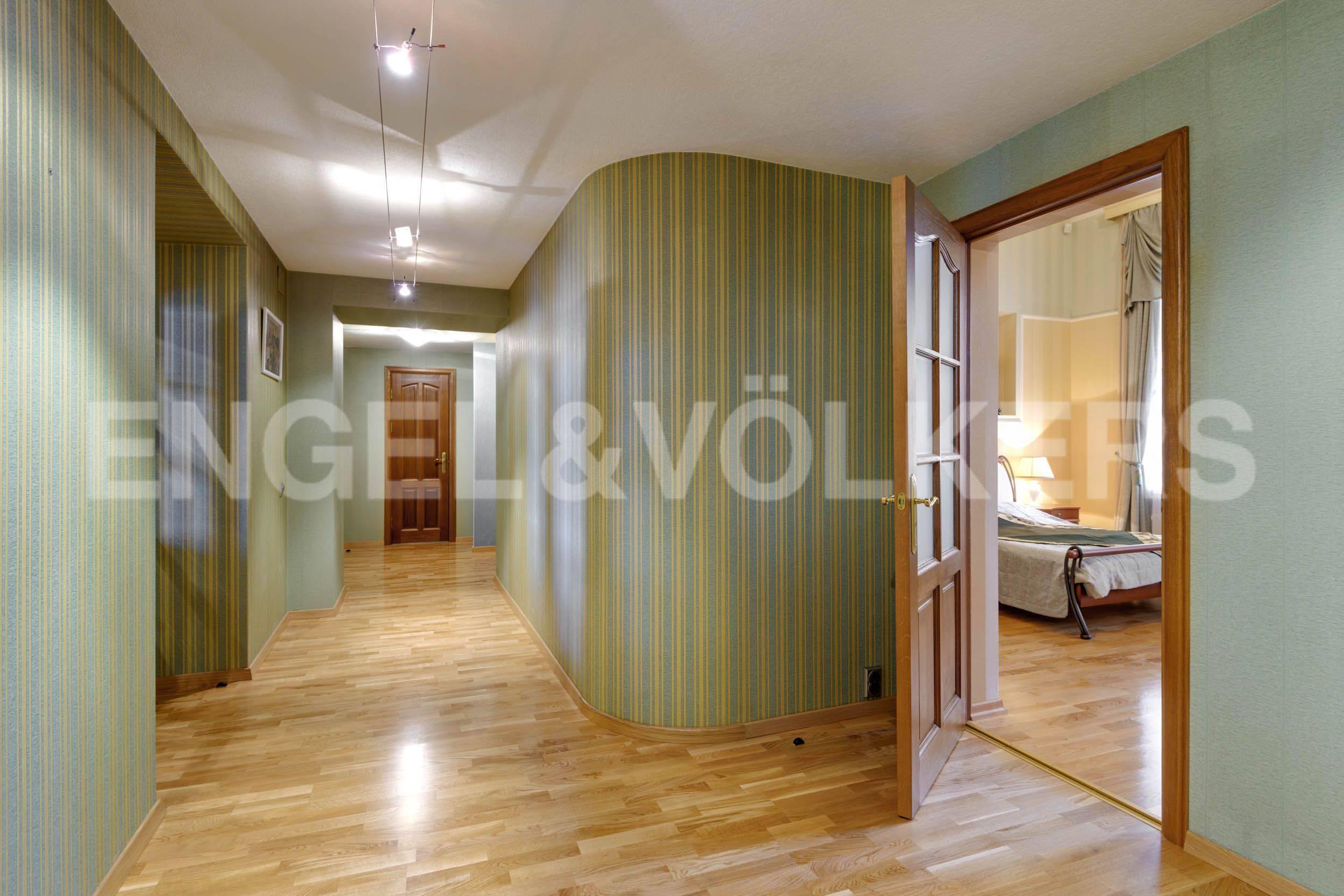 Элитные квартиры в Центральном районе. Санкт-Петербург, Марсово поле, 3. Холл-прихожая