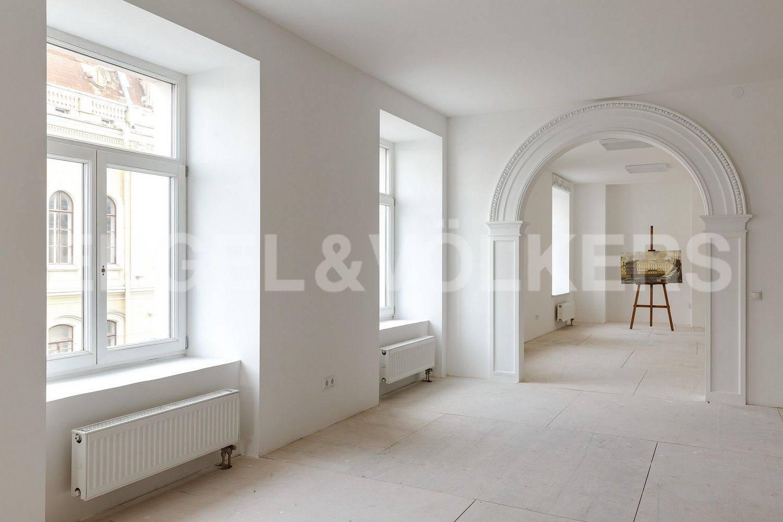 Элитные квартиры в Центральном районе. Санкт-Петербург, Кутузова, 24. Вид из гостиной в сторону кухни