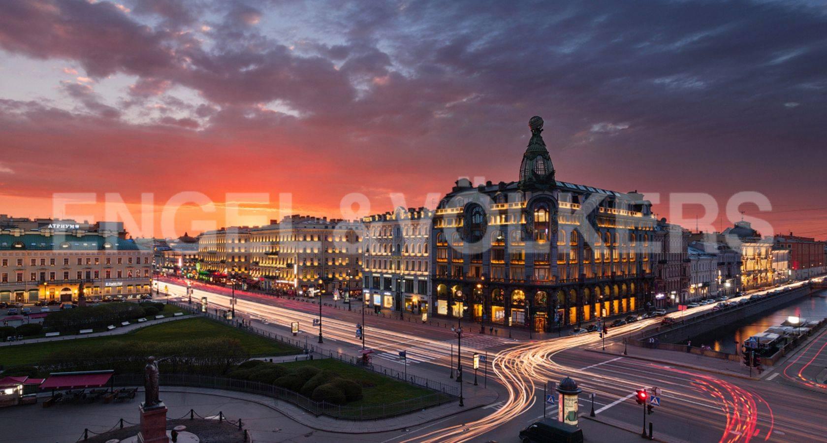 Элитные квартиры в Центральный р-н. Санкт-Петербург, Большая Морская, 4. Невский проспект