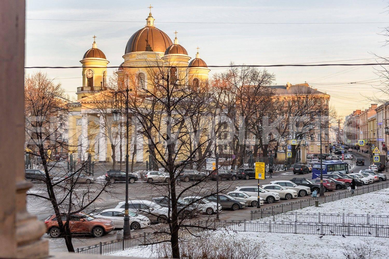 Элитные квартиры в Центральном районе. Санкт-Петербург, Преображенская площадь. Вид из окон гостиной на Преображенскую площадь