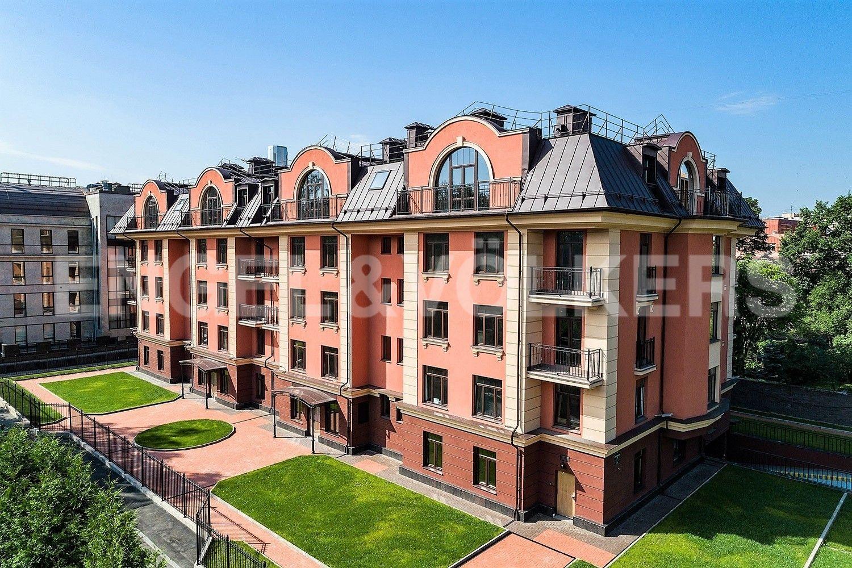 Элитные квартиры в Приморском районе. Санкт-Петербург, Дибуновская улица, 34. Вид с Дибуновской улицы