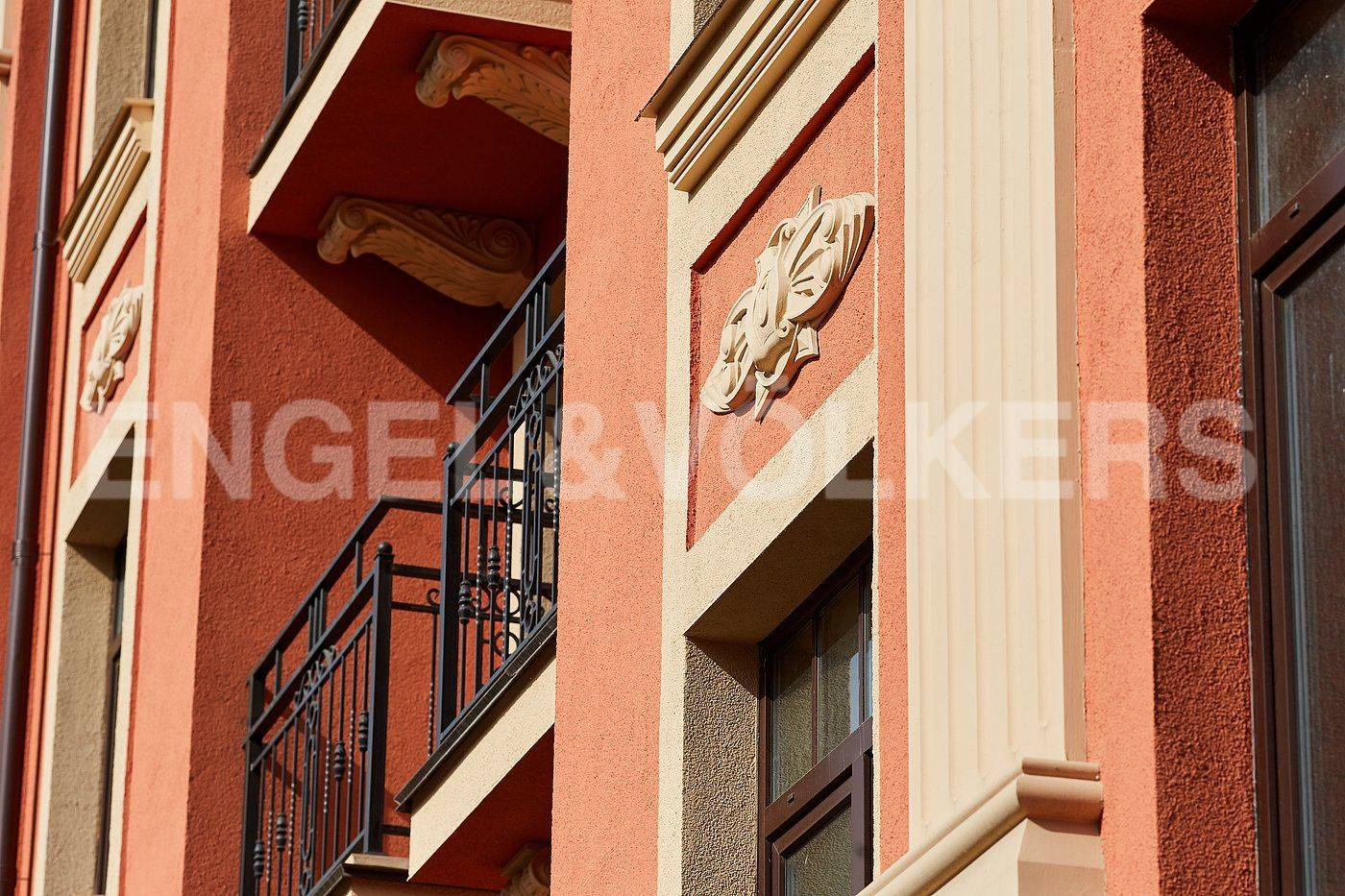 Элитные квартиры в Других районах области. Санкт-Петербург, Дибуновская улица, 30. Фасад