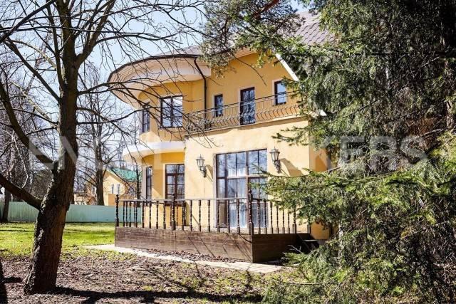 п. Ольгино - загородный дом в классическом стиле в 5 минутах от «Лахта центра»