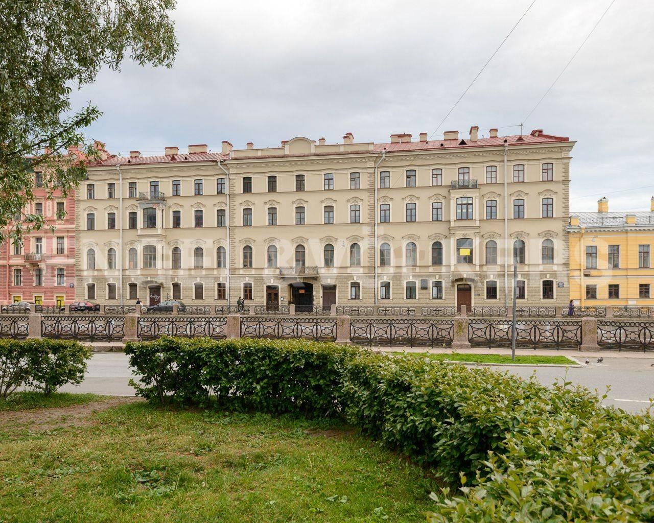 Элитные квартиры в Центральном районе. Санкт-Петербург, Наб. реки Мойки, 84. Фасад дома