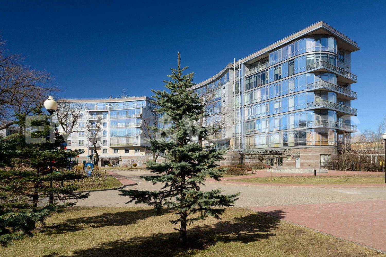 Элитные квартиры на . Санкт-Петербург, Крестовский проспект, 26. Закрытая благоустроенная территория-2