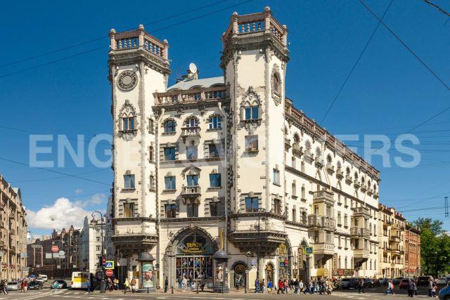 Каменноостровский, 35 – Элегантный новый ремонт в историческом доме
