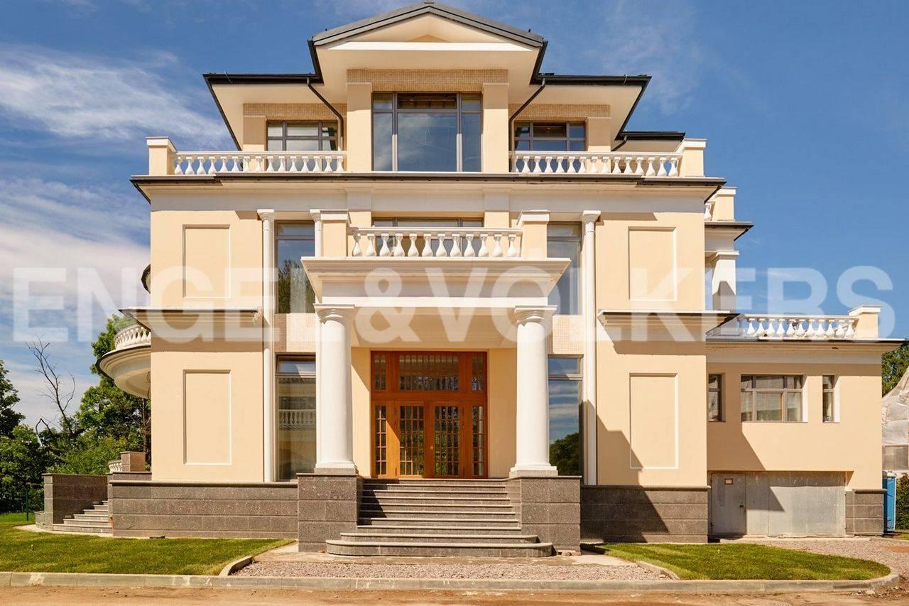 Элитные квартиры на Каменном острове. Санкт-Петербург, Набережная реки Крестовки, дом 5. Главная
