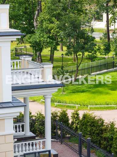 Элитные квартиры на . Санкт-Петербург, наб. реки Крестовки, 5Б.