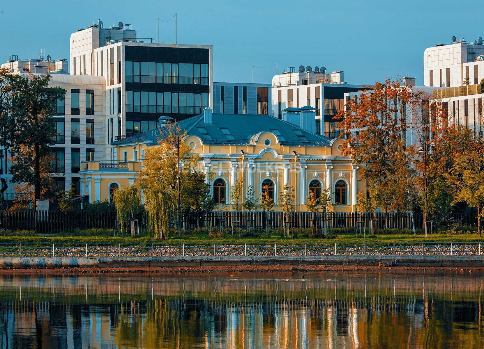 Элитные квартиры на . Санкт-Петербург, наб. Мартынова, 70.