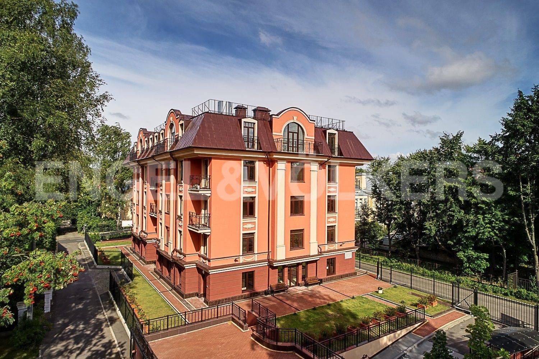 Элитные квартиры в Приморском районе. Санкт-Петербург, Дибуновская улица, 30. Главная