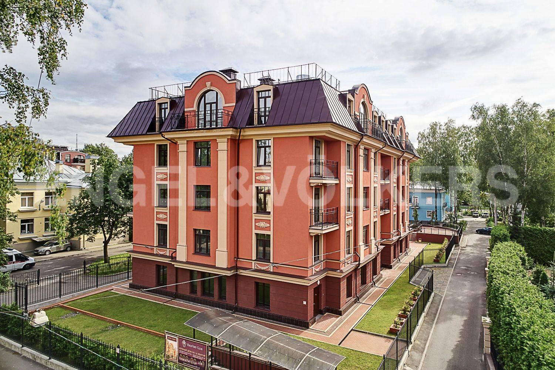 Элитные квартиры в Приморском районе. Санкт-Петербург, Дибуновская улица, 30. Вид с Дибуновской улицы