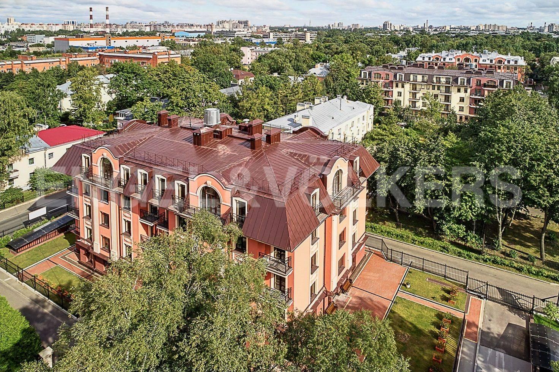 Элитные квартиры в Приморском районе. Санкт-Петербург, Дибуновская улица, 30. Вид с высоты