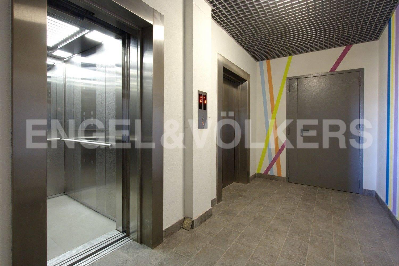 Современные лифты в парадной