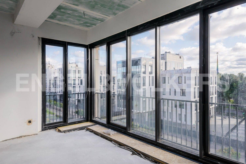 Элитные квартиры на . Санкт-Петербург, наб. Мартынова, 62. Панорамные окна