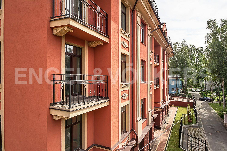 Элитные квартиры в Приморском районе. Санкт-Петербург, Дибуновская улица, 30. Фасад