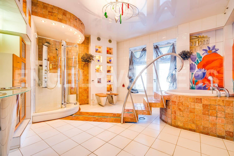 Элитные квартиры в Центральном районе. Санкт-Петербург, Гродненский пер., 1. Ванная комната