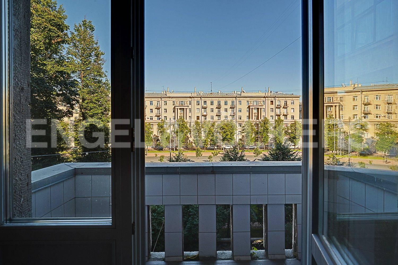 Элитные квартиры в Московском районе. Санкт-Петербург, Московский, 151. Выход на фасадный балкон