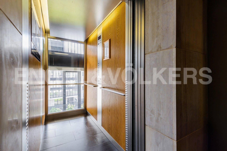 Элитные квартиры на . Санкт-Петербург, наб. Мартынова, 62. Панорамный лифт