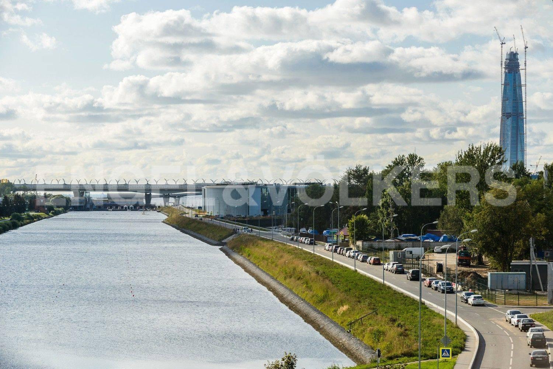 Элитные квартиры на . Санкт-Петербург, наб. Мартынова, 62. Вид в сторону Гребного Канала