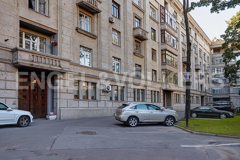Элитные квартиры в Московском районе. Санкт-Петербург, Московский, 151. Придомовая территория дома