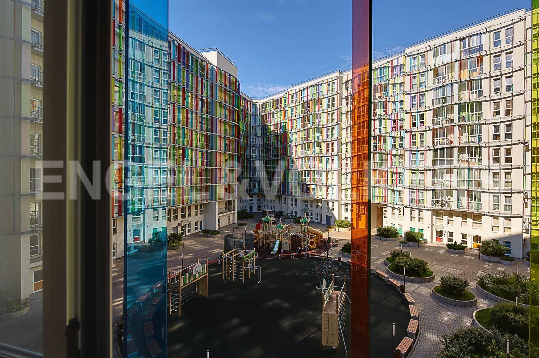 Элитные квартиры в Петроградском районе. Санкт-Петербург, Корпусная улица, 9. Вид во внутренний двор