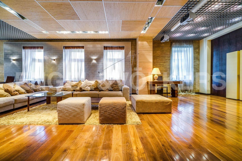 Элитные квартиры в Центральном районе. Санкт-Петербург, Гродненский пер., 1. Дизайнерская мебель в гостиной