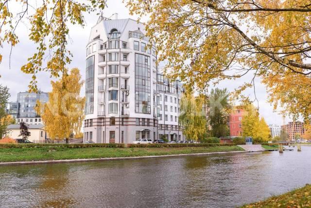 Петровский пр.,1 - панорамный вид на парк и водную гладь