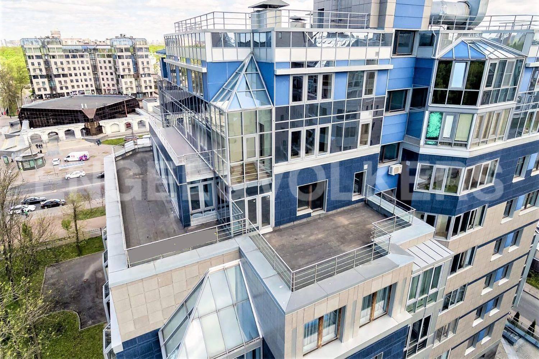 Элитные квартиры на . Санкт-Петербург, Рюхина, 10 . Две видовые террасы