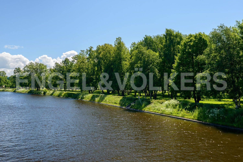 Набережная реки Ждановки