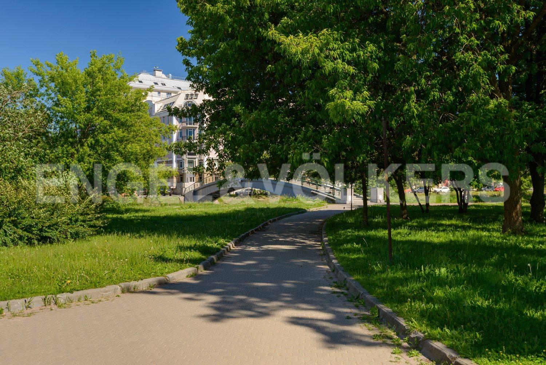 Парк Петровского острова