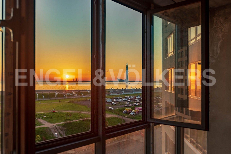 Элитные квартиры в Василеостровском районе. Санкт-Петербург, Капитанская, 4 . Вид из спальни