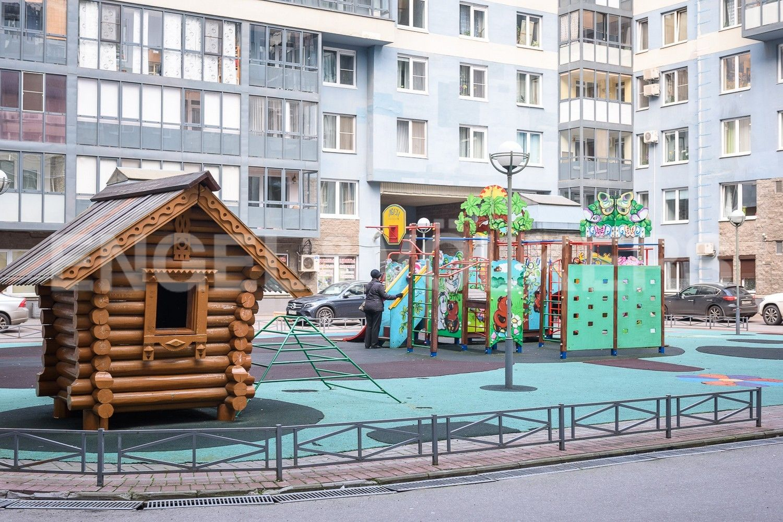 Элитные квартиры в Василеостровском районе. Санкт-Петербург, Капитанская, 4 . Территория комплекса