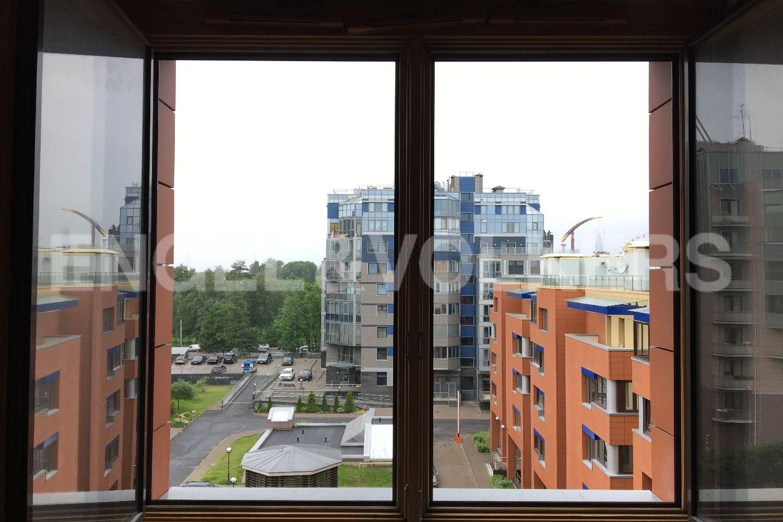 Элитные квартиры на . Санкт-Петербург, Морской пр, 28. Вид во двор