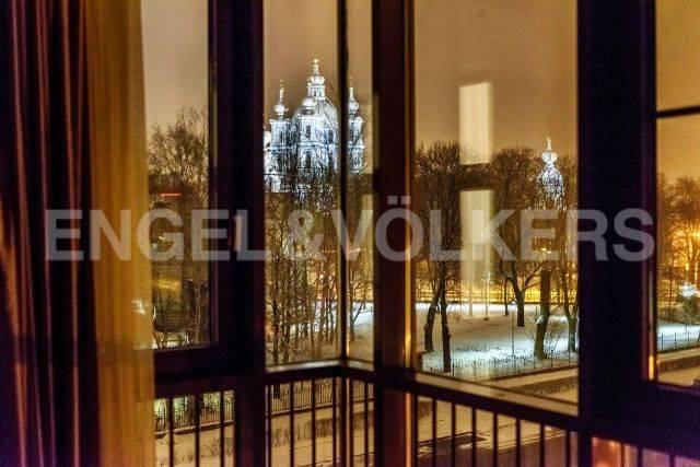 «Смольный парк» — Эстетика стиля с изысканным видом на Смольный собор