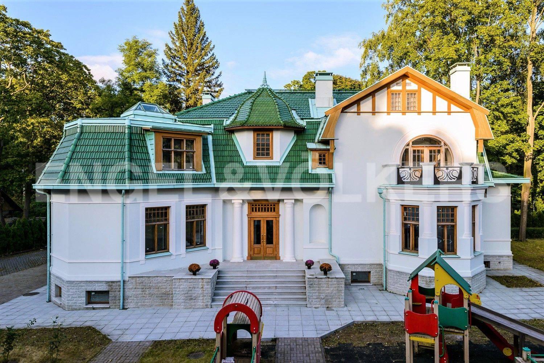 Элитные квартиры на . Санкт-Петербург, Большая аллея, 10 . Фасад основного дома