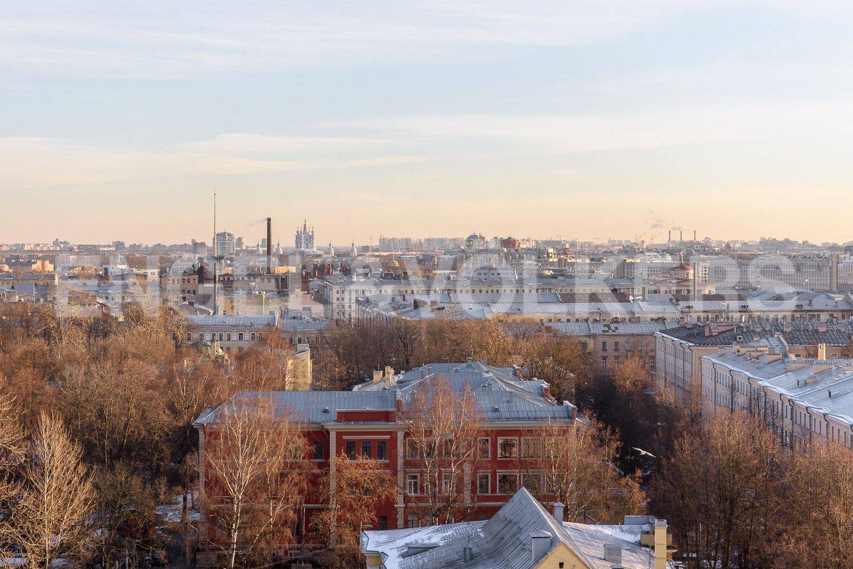 Элитные квартиры в Центральном районе. Санкт-Петербург, Большой Сампсониевский проспект, 4-6. Вид из окон на город