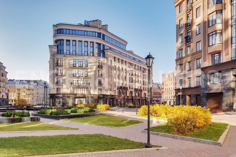 Элитные квартиры в Центральном районе. Санкт-Петербург, Парадная, 3. Прогулочная территория комплекса