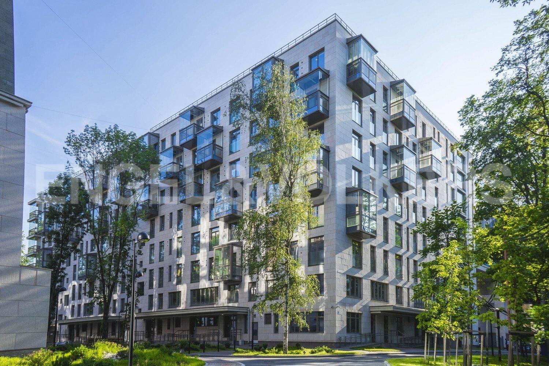 Элитные квартиры в Центральном районе. Санкт-Петербург, ул. Орловская, 1. Кропус со стороны private парка