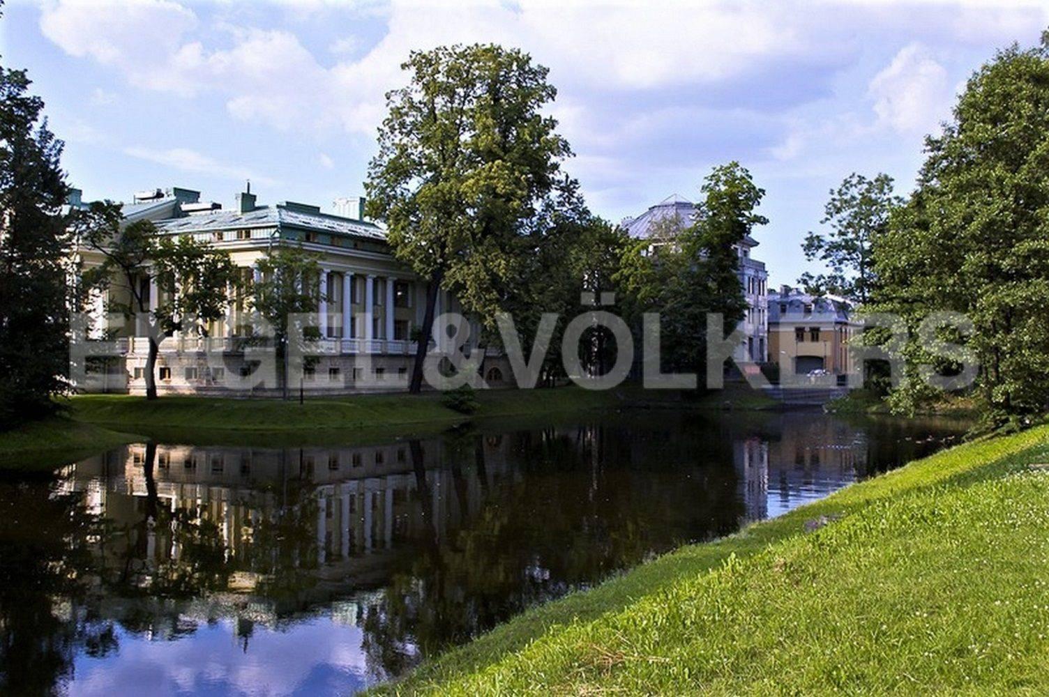 Элитные квартиры на . Санкт-Петербург, Константиновский, 23. Большой канал Каменного острова